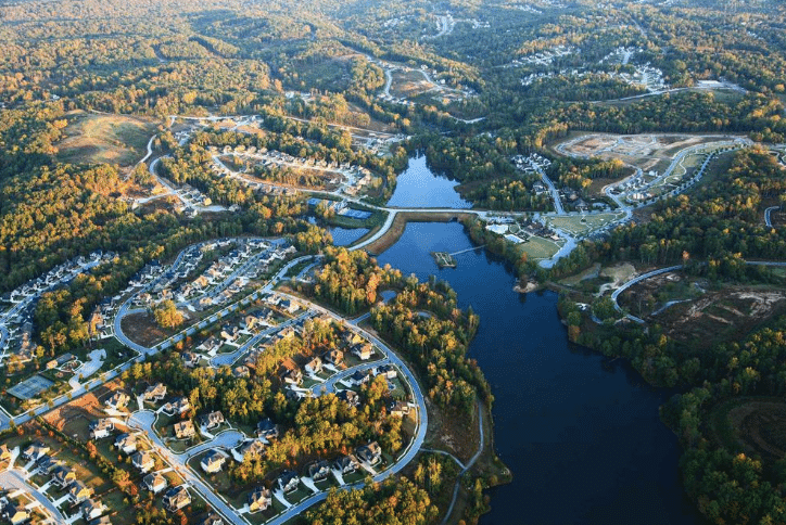 Aerial of Sterling on the Lake homes and lake